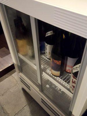 日本酒はたっぷりと冷蔵庫に
