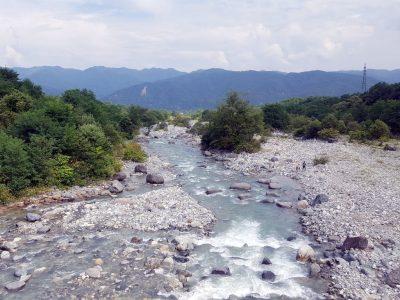白馬村を流れる松川